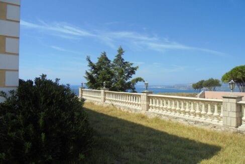 Helmata side view
