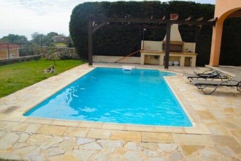 Metaxata pool