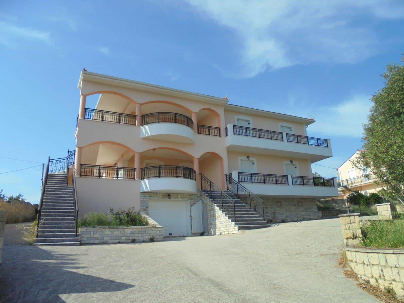 Villa for sale in Atheras