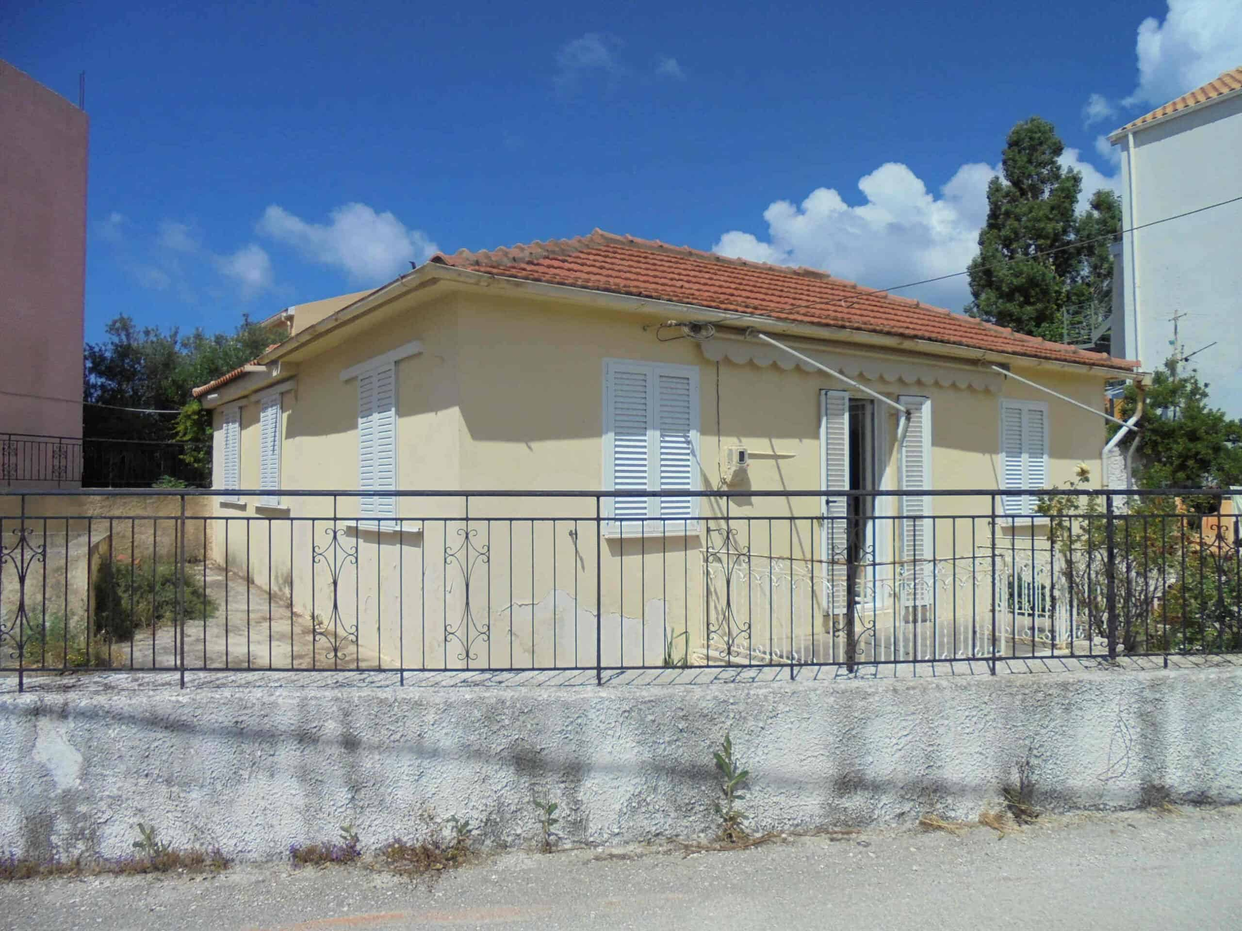 House for sale in Helmata