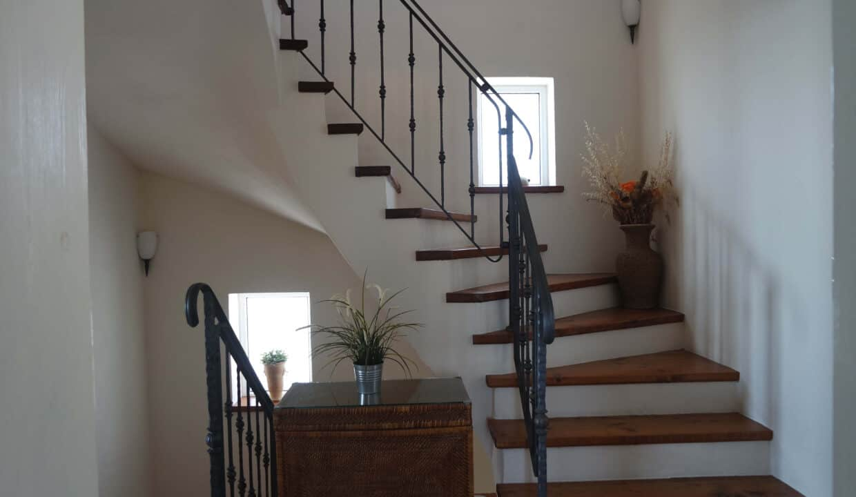 Stairs _Villa for sale in Mousata