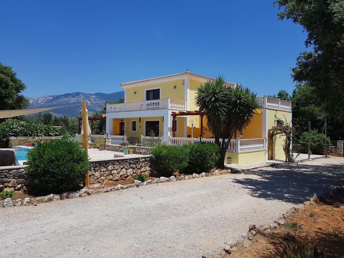 Villa for sale in Keramies