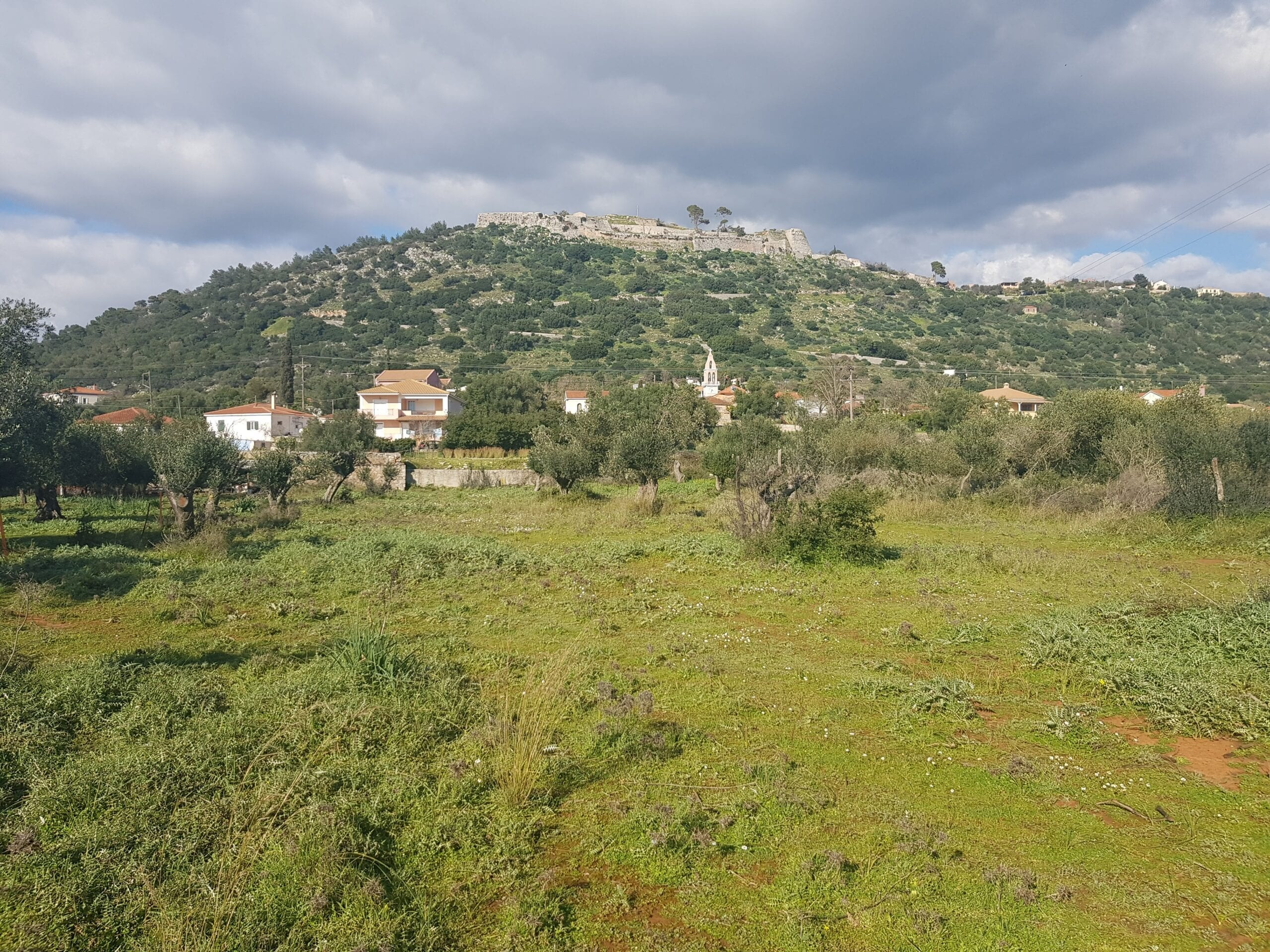 Plot for sale in Travliata with amazing views of Saint George's castle